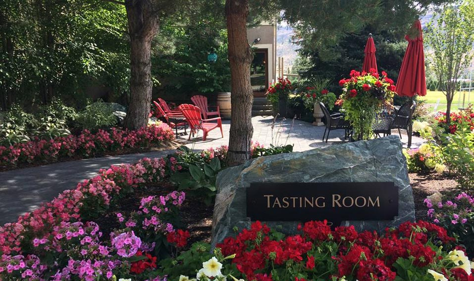 Tasting Room Exterior Sign and Patio